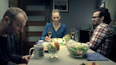 Dívka ze skříně (2012)