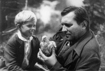 Pavol Poláček (Rudko Hrudka), Vladimír Durdík st. (Rudkov otec)