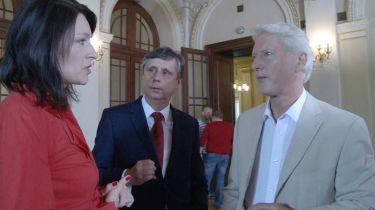 Tisková mluvčí Jana Víšková,  Jan Fischer (1) a  Ladislav Špaček