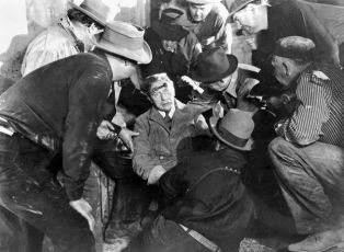 Beggars in Ermine (1934)