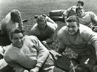 Swing That Cheer (1938)