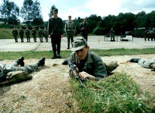 Chlapci a chlapi (1988) [TV seriál]