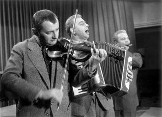 Mezi námi zloději (1963)