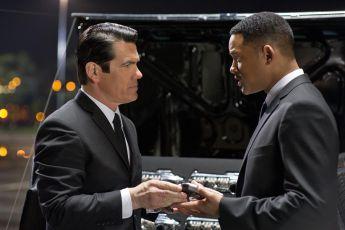 Muži v černém 3 (2012)