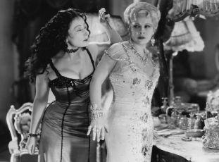 Křivdila mu (1933)
