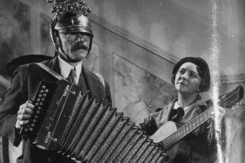 Pouliční hudba (1936)