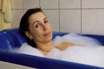 Bekyně mniška (2009) [TV film]