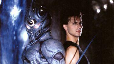 Guyver: Temný hrdina (1994)