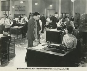 The Finger Points (1931)