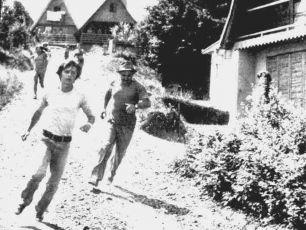 Smrt mouchy (1976)