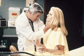 Dr. T a jeho ženy (2000)