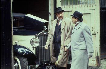 Vražda v ulici Mews (1989) [TV epizoda]