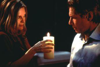 Pod povrchem (2000)
