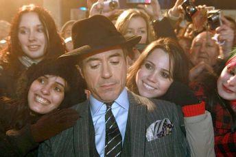 14. prosince se v londýnském Leicester Square konala světová premiéra filmu