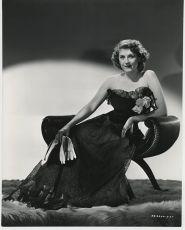 Na titulní stránce (1943)
