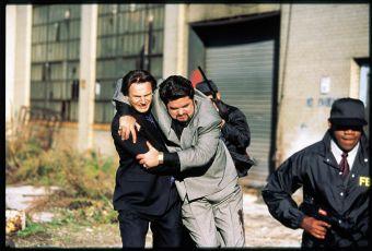 Stydlivý polda (2000)