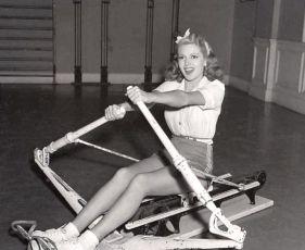 Dancing Co-Ed (1939)