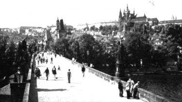 Praha - neklidné srdce Evropy (1984)