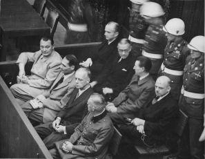 Kronika Norimberského procesu (2003)