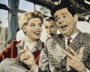 Das Glück liegt auf der Straße (1957)