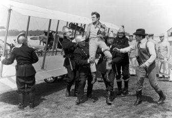 Báječní muži na létajících strojích (1965)
