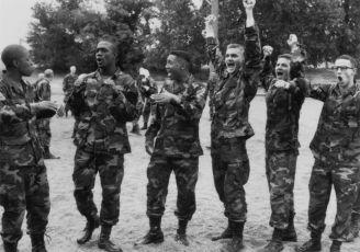 Vzbuďte se, vojáci! (1994)