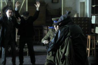 Ve stínu (2012)
