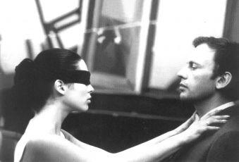 Zuzana Kocúriková (Laura), Jean-Louis Trintignant (Boris Varissa)