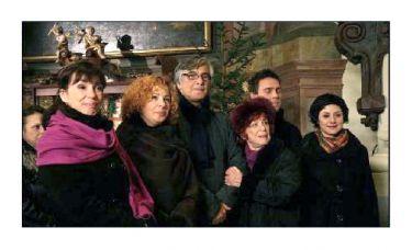 Nela Boudová, Kamila Magálová, Jiří Bartoška, Jaroslava Adamová, Roman Vojtek, Martha Issová