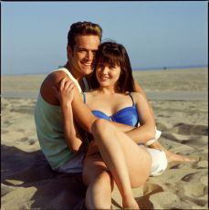 Luke Perry + Shannen Doherty