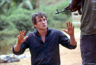 Střelba na psy (2005) [TV film]