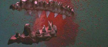 Čelisti 3 (1983)