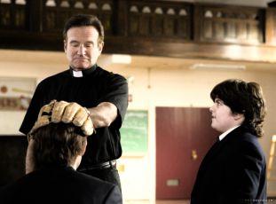 Kněz je poděs (2007)