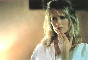 Láskou posedlí (1985)