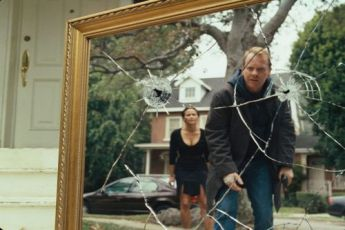 Zrcadla (2008)