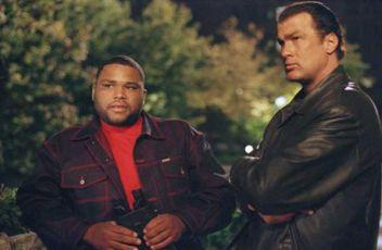 Lovec policajtů (2001)