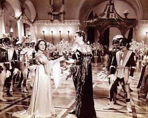 Shearer, Howard a Ralph Forbes jako Paris