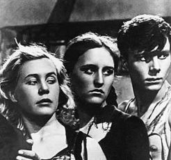 Inna Makarova (Ljubka), Nonna Mordjukova (Uljana) a Sergej Gurzu (Ťulenin)