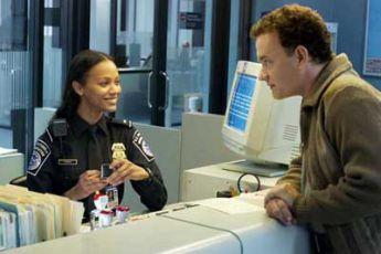 Zoë Saldana a Tom Hanks