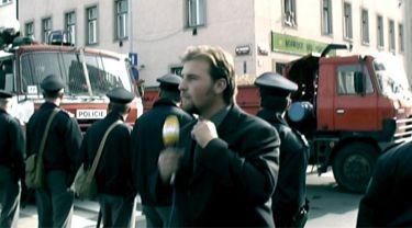 Hry prachu (2002)