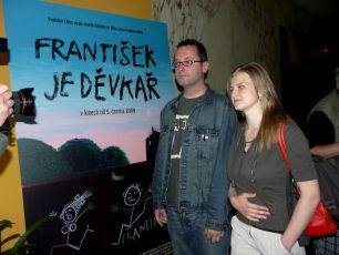 Josef Polášek a Ela Lehotská na novinářské projekci filmu