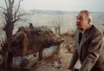 PODEPSÁNO: ANDRZEJ WAJDA (1989)