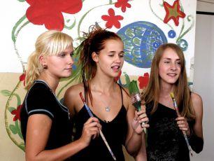 Monika (Kamila Kikinčuková), Klára (Lenka Jurošková) a Pavla (Martina Procházková)