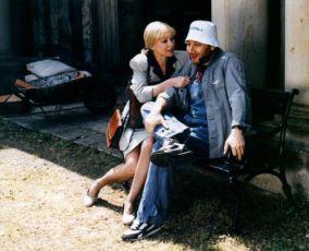 Život na zámku (1995) [TV seriál]