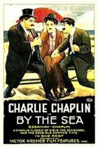 Chaplin na pláži (By the Sea)