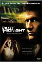 Úderem půlnoci (Past Midnight)