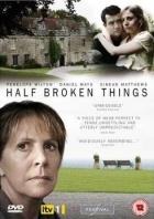 Nalomené vztahy (Half Broken Things)