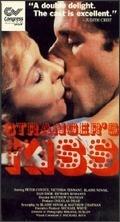 Odcizené polibky (Strangers Kiss)