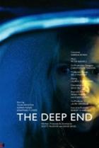 Temná voda (The Deep End)