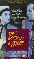 Měsíc je modrý